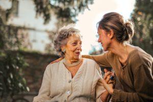 SuPerin edustajisto: Vanhustenhoidossa